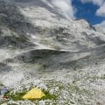 Изглед от базов лагер към подножието на връх Радоина